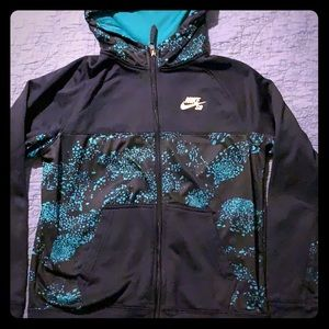 Nike youth boys size Large hoodie (12-13 years)